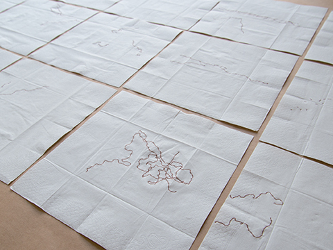 Trajets des fourmis, 2013 Papier mouchoir, 21 x 21 cm