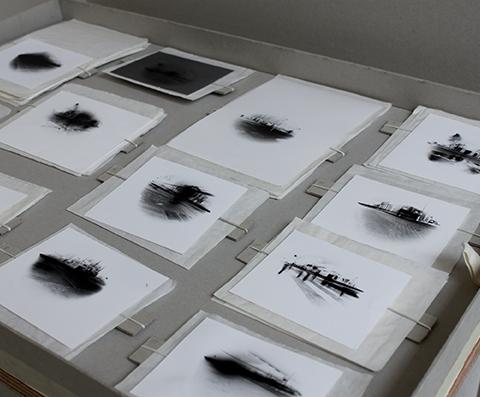 Série Esquinas, 2012 Négatifs de sténopé, papier photo argentique