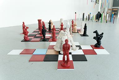 La marche irréversible, 2012 Plâtre, verre, papier. Techniques mixtes Rapport de conscience, 2012 Plâtre, bois, peinture. Techniques mixtes