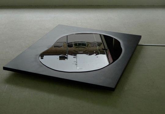 VALLEN - 2009 Bois, encre de chine, dispositif sonore, 100 x 120 x 10 cm. Production
