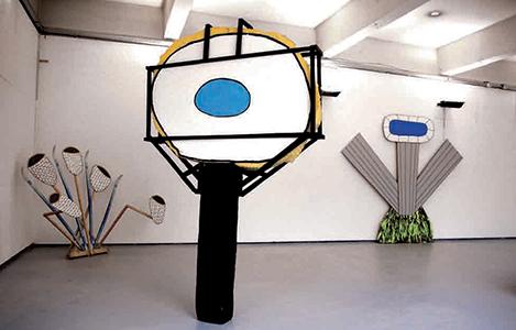 De gauche à droite : In the laser beams, Eye eye eye, Les cheveux dans les yeux, fils, techniques mixtes, 2007