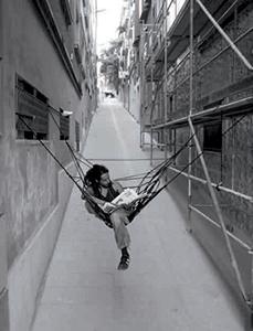 Araignée citadine, assise en gomme élastique tressée, 2007